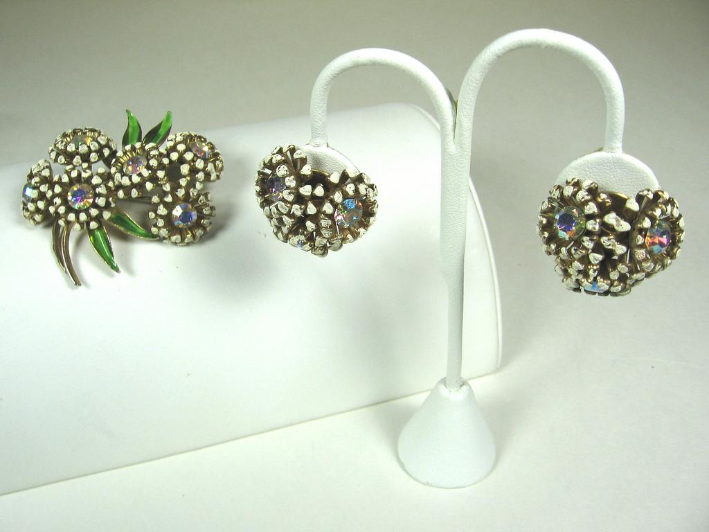 Weiss Enamel Floral Pin & Earrings Set