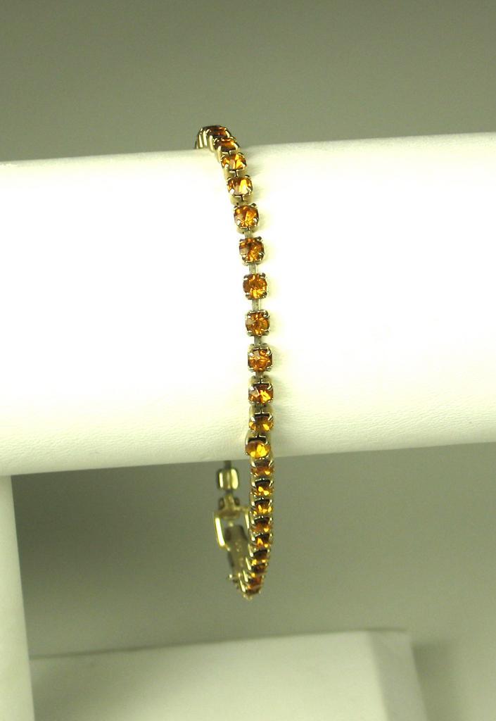 Vintage Weiss Amber Colored Rhinestone Bracelet