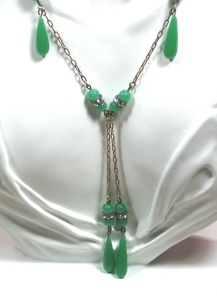 Vintage Green Glass and Rhinestone Accent Necklace