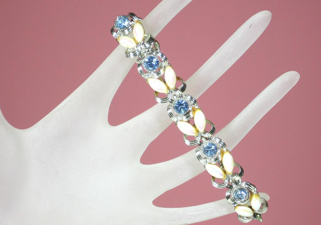 Lovely Vintage Topaz Rhinestone Bracelet