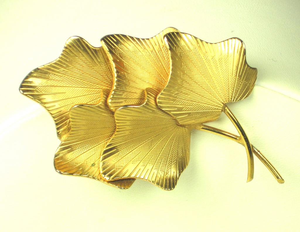 Vintage Gold Tone Coro Stem and Leaf Pin