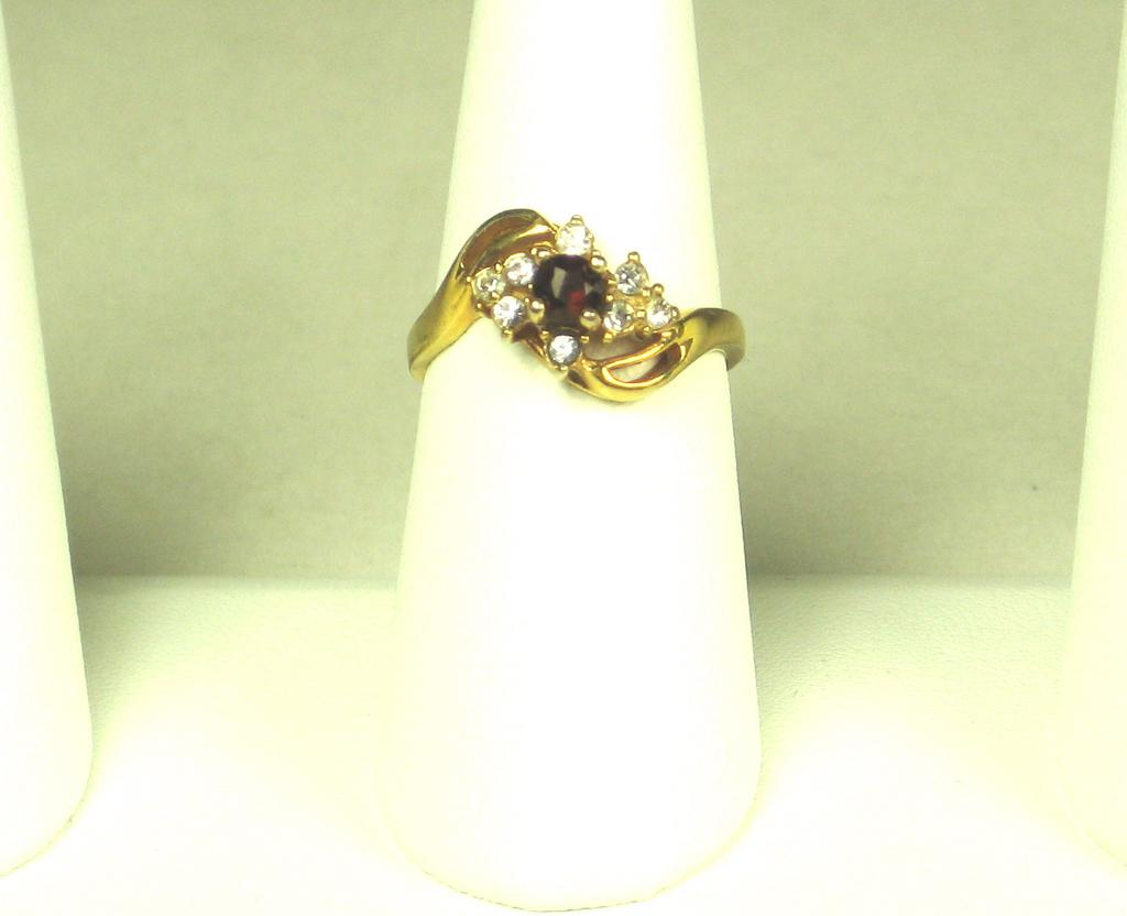 Vintage Gold Tone Metal and Rhinestone Taiwan Ring