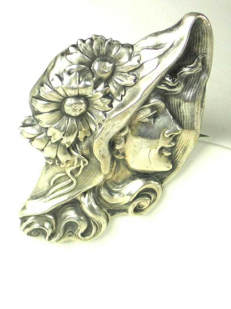 925 Sterling Metal Art Nouveau Lady Pin