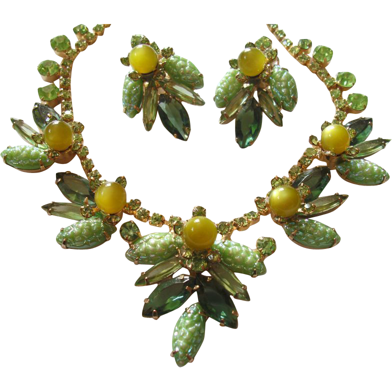 Verified D&E Juliana Peridot Pebbled Necklace & Earrings