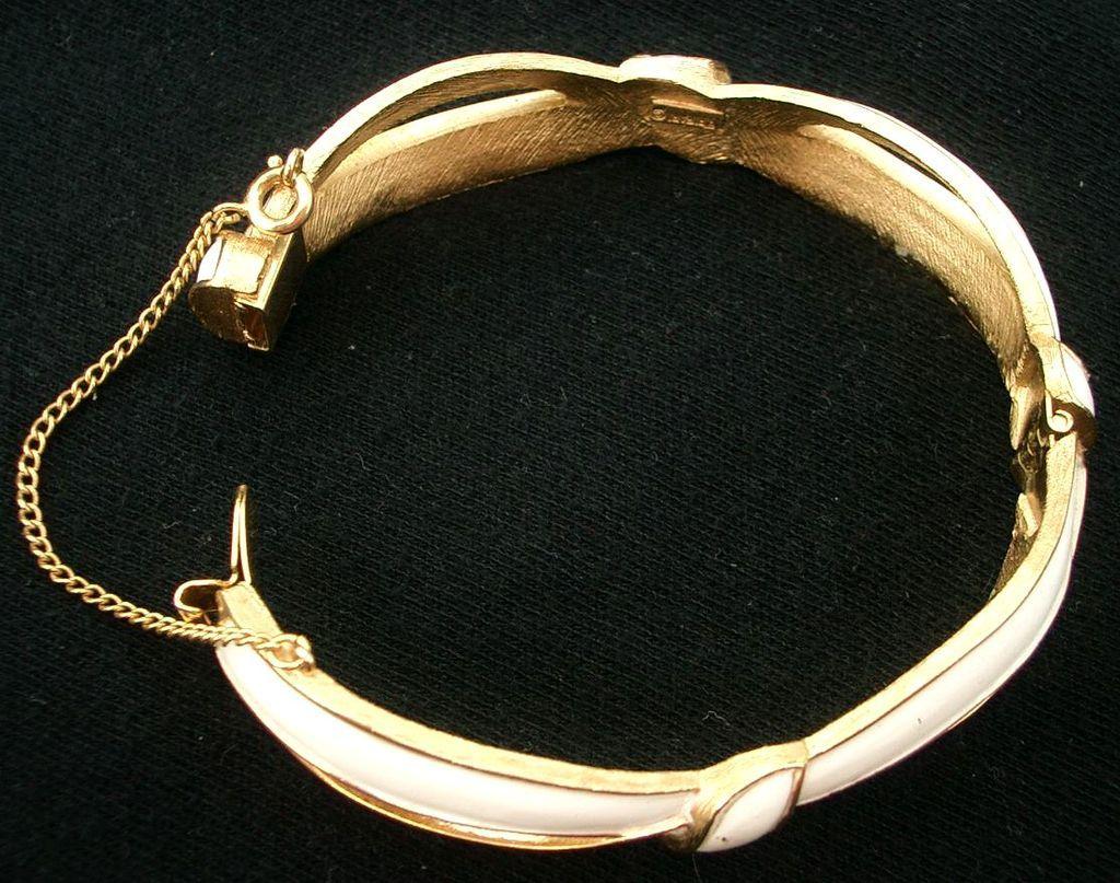 Crown Trifari White Enamel and Gold-Tone Bracelet Bow Design