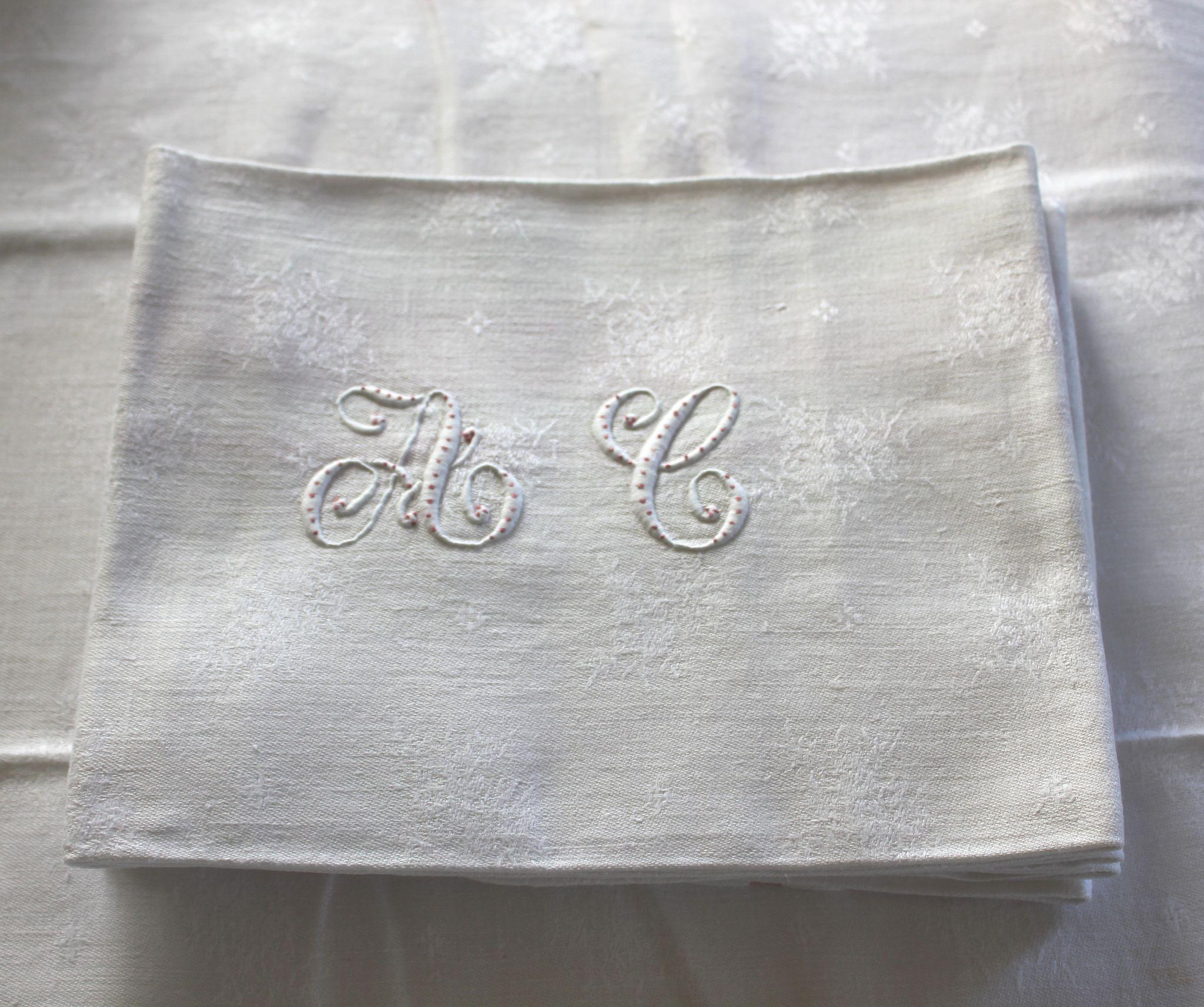 roll over large image to magnify click large image to zoom - Linen Monogrammed Napkins