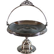 Vintage Meriden Silverplate Footed Bridal Basket  Silver Plate