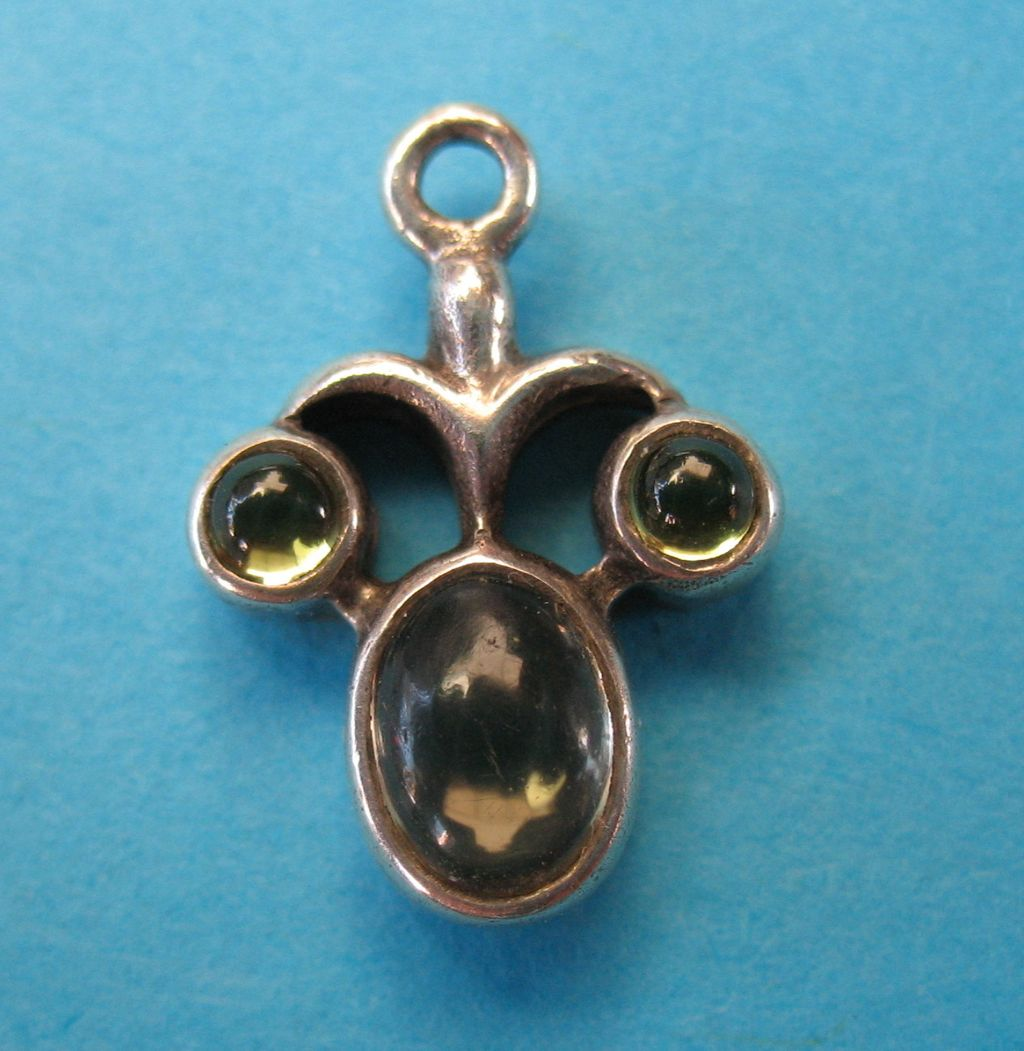 Vintage Sterling Funny Face Green Gem Stone Charm