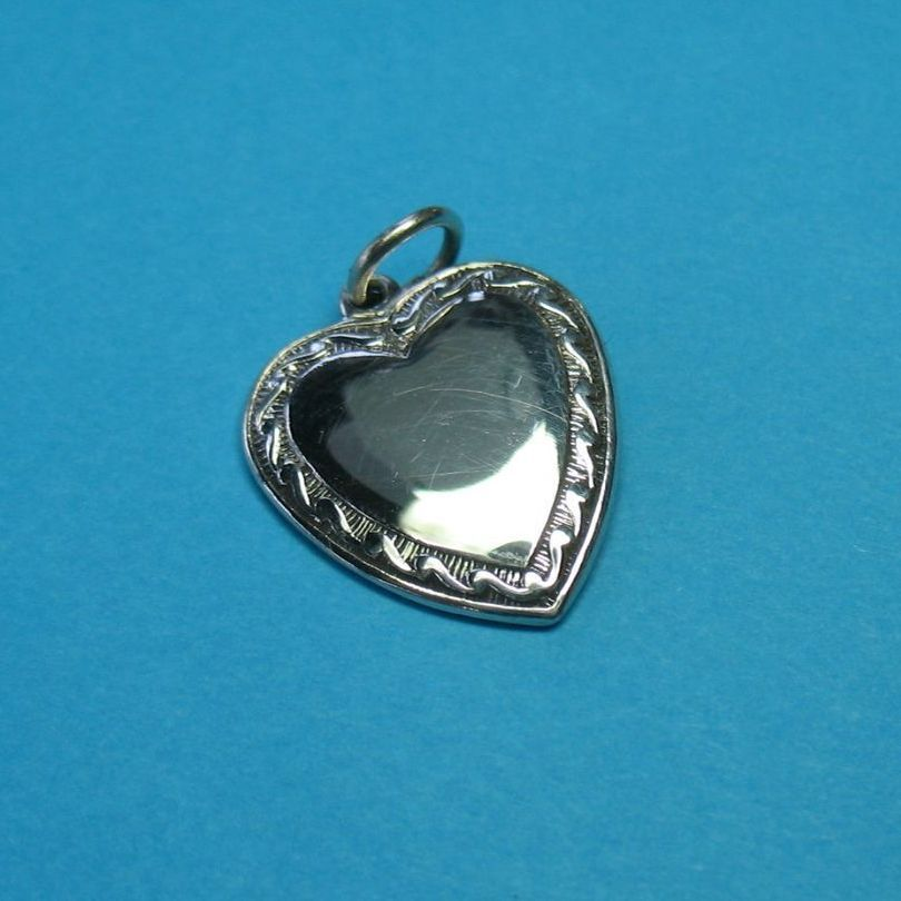 Vintage High Polished Heart With Pretty Border