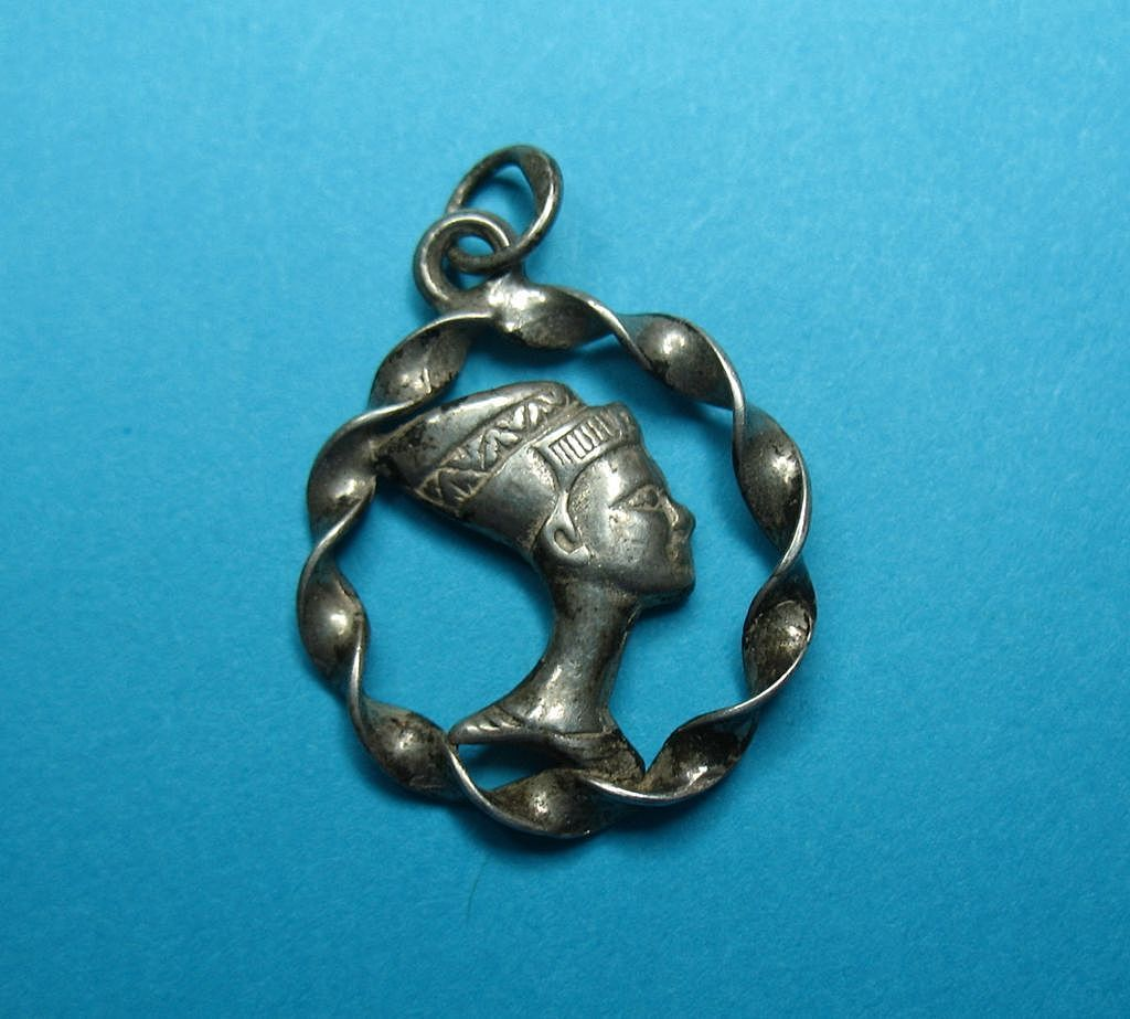 RARE Vintage Sterling Silver Egyptian Nefertiti Charm