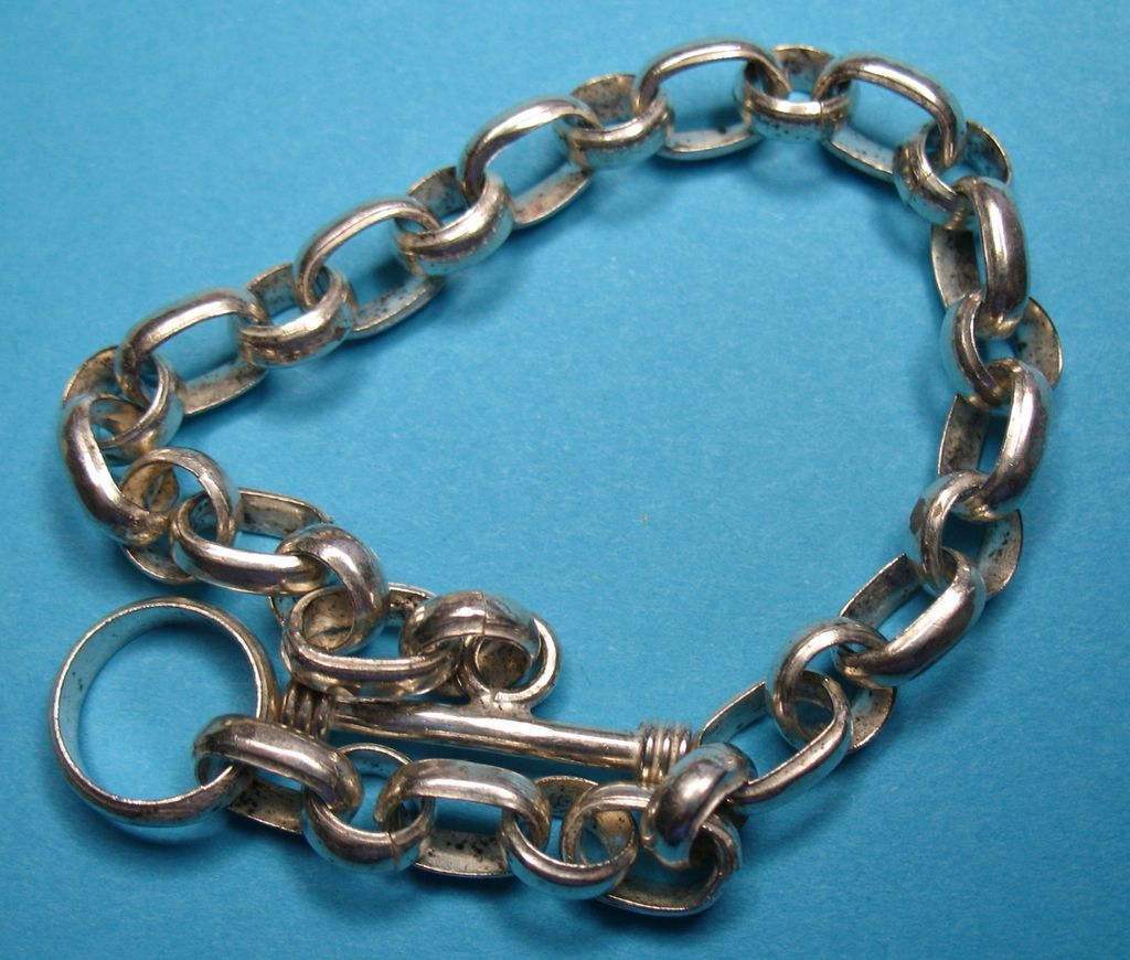 Vintage Sterling Circle & Oval Rolo Toggle Charm Bracelet