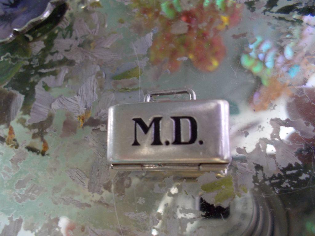 Vintage Sterling Silver Enamel MD doctor's bag Charm