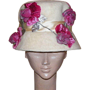 Vintage  Off-White Fur Felt Hat With Pink Velvet Roses and Satin Bow