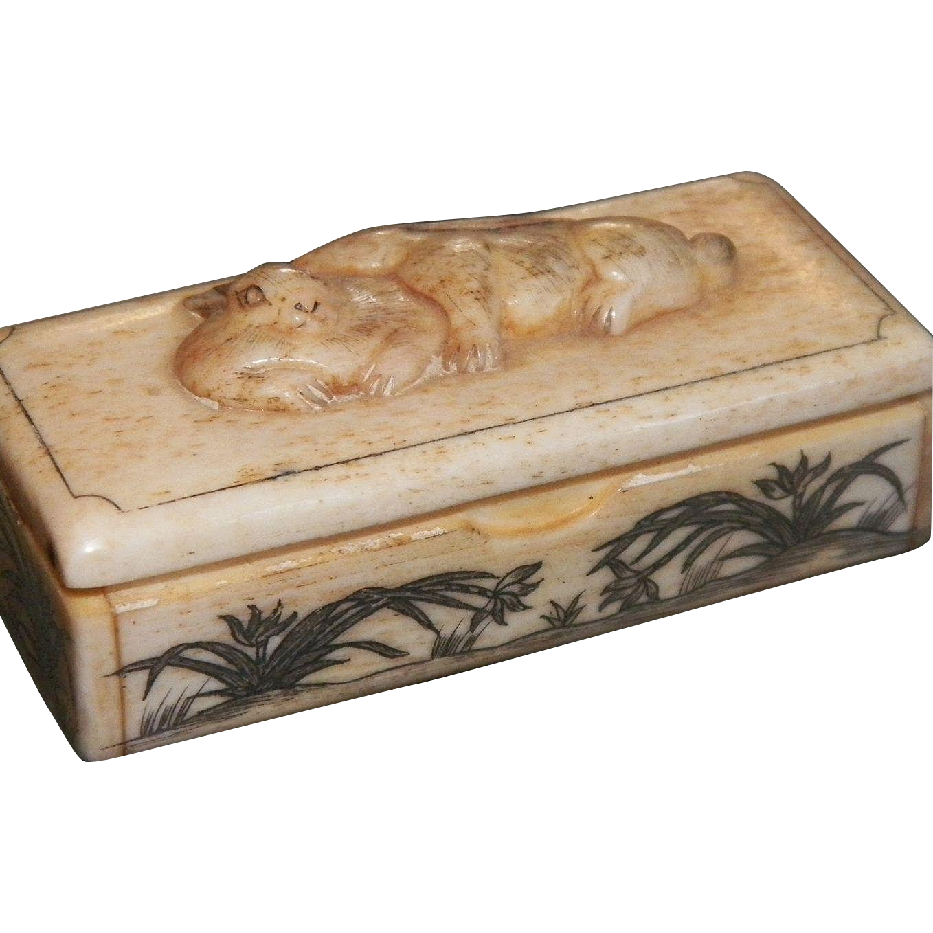 Vintage Carved Scrimshaw Bone Snuff Box With Rabbits