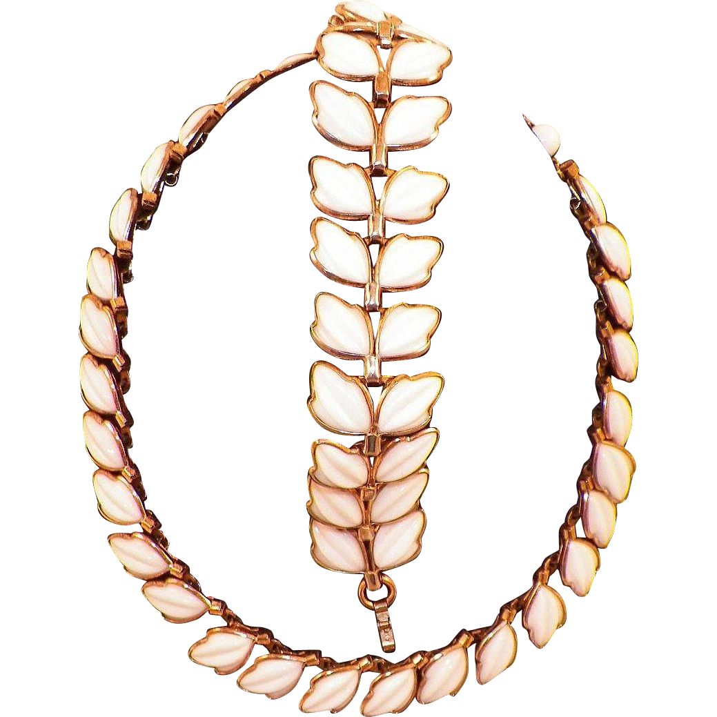 Vintage 1950 Trifari Poured White Milk Glass Dogwood Flower Necklace Bracelet