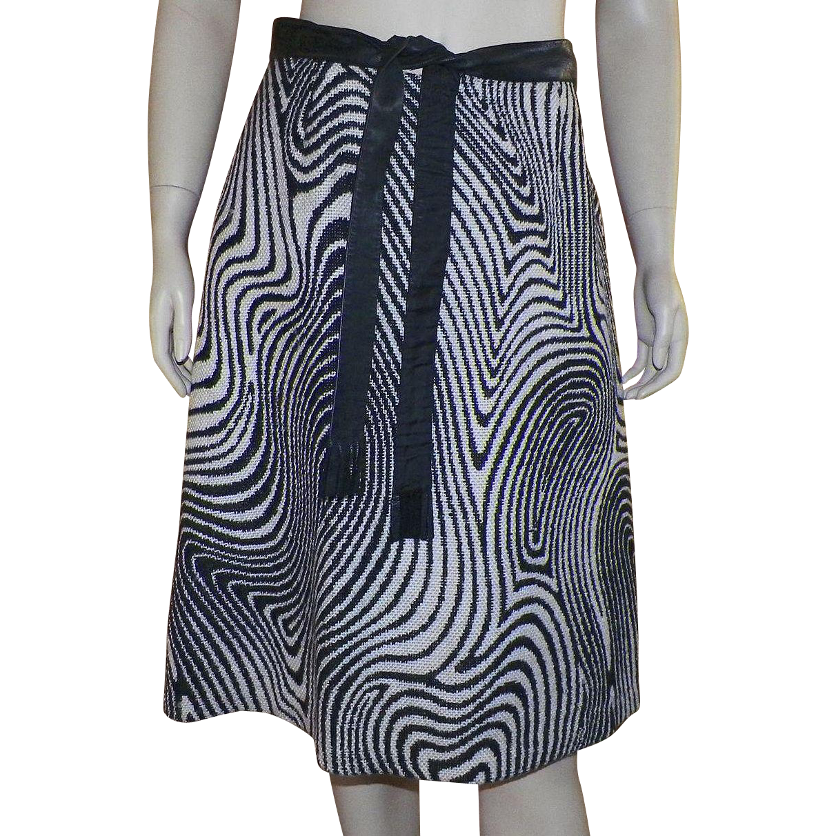 Vintage 1970's Op-Art Black and White Wool A-line Skirt With Belt
