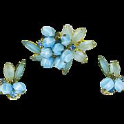 Delizza & Elster Juliana Pin & Earrings – Dangling Beads – Sky-Blue