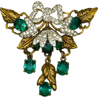 Art Deco era 1930s Gilt and Emerald Rhinestone Brooch – Designer Quality