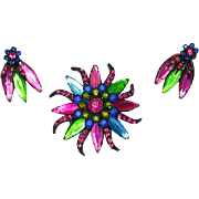 Weiss unsigned Mirrored Glass Japanned Flower Pin and Earrings – Vibrant – Early 1960s