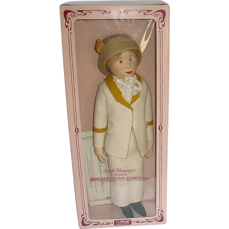 "18"" Steiff Replica Doll Tennis Lady Betty ~ MIB"