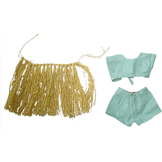 """Vintage Hawaiian Grass Shirt and Two Piece Short Set for 14"""" Sonja Henie"""