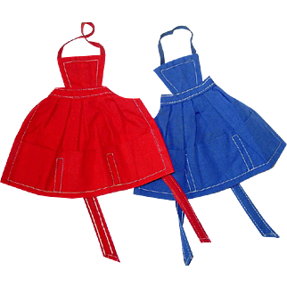 Two Vintage 1962-63 Barbie PAK ~ APRONS ~ Blue & Red