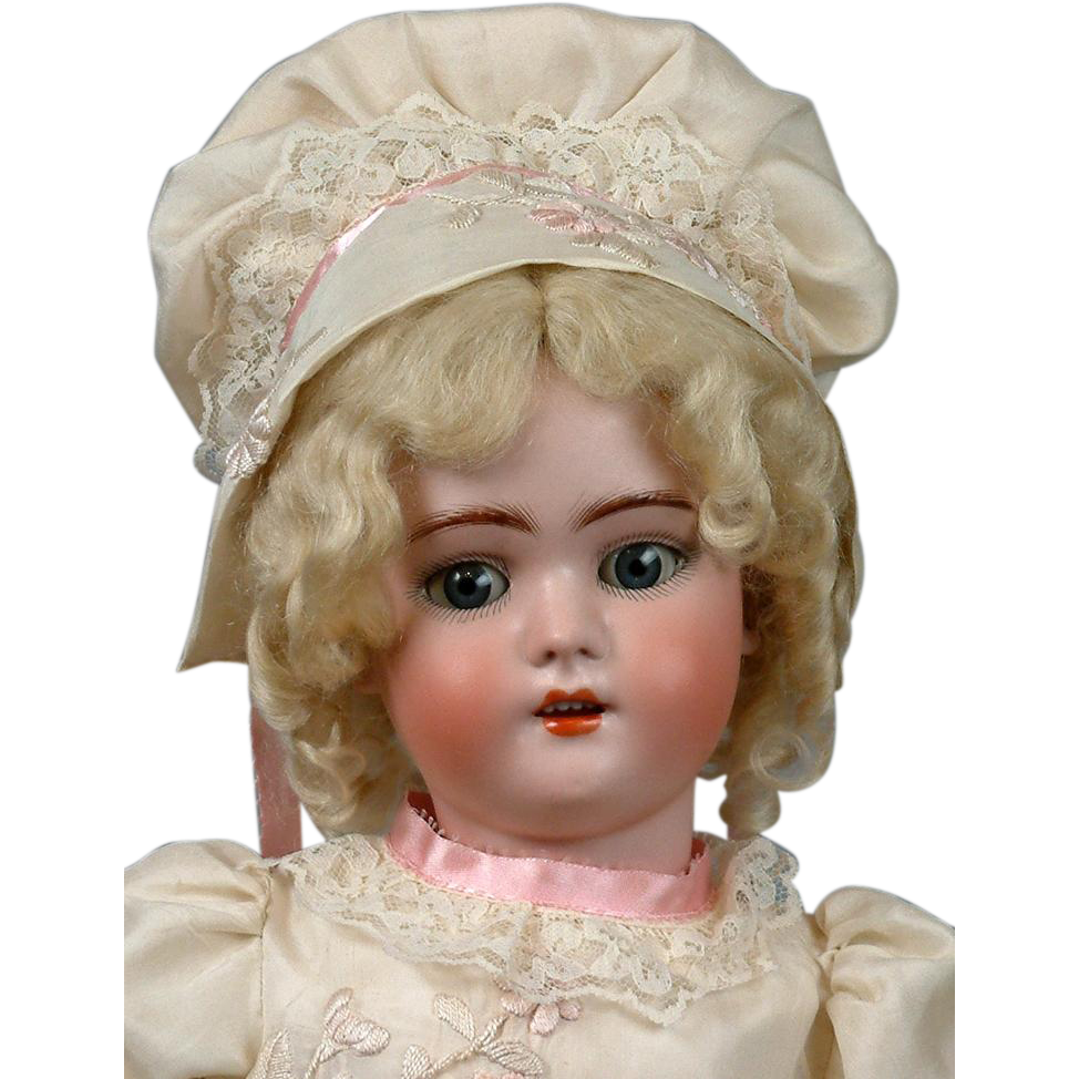 Exquisite Simon & Halbig 1078 Antique Doll in Gorgeous Presentation Costume!