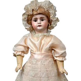 "Super Rare 17""  Simon & Halbig 979 Antique Child Doll with Square-Cut Teeth"