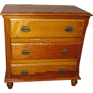 1950s Vintage Keystone Chest of Drawers