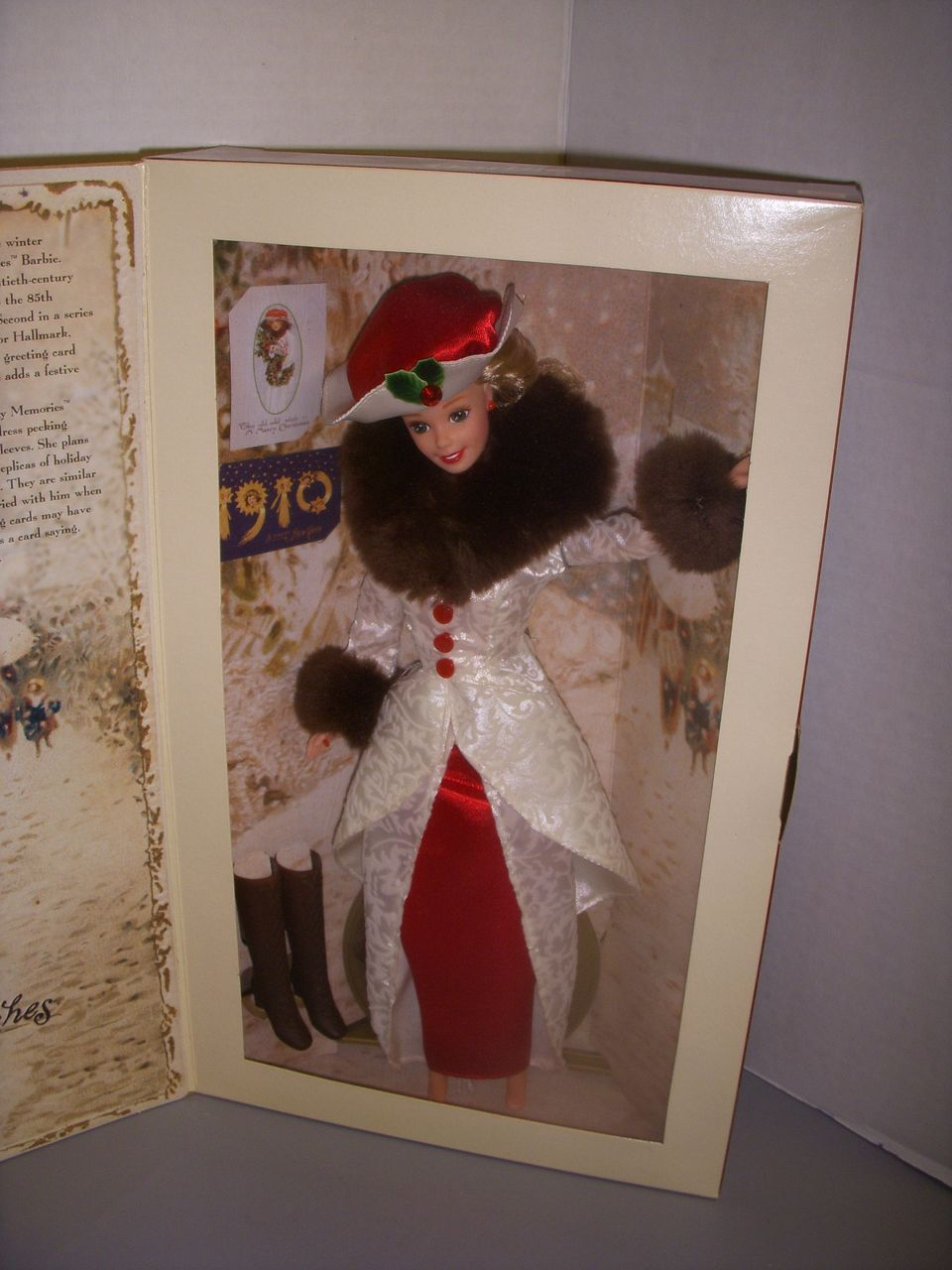 Holiday Memories Barbie Hallmark 1995 by Mattel!