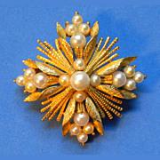 BSK Vintage Goldtone & Faux Pearl Pin