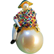 Pierrot on a Pearl Pin