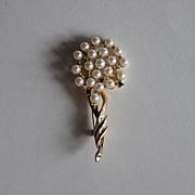Vintage Keyes Faux Pearl Brooch