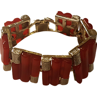 Coro Pegasus - Beautiful Coral or Salmon Red Thermoset Bracelet
