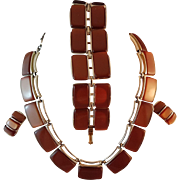 Contemporary Vintage Lisner Cappuccino Thermoset Necklace, Bracelet and Earrings