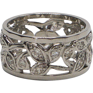 Riticulated Diamond Foliate and 14kt White Gold Ring
