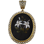 18KT Gold Pietra Dura Pendant with White Agate Flowers