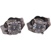 14 K White Gold 0.26 Carat Diamond Stud Earrings