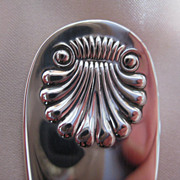 "Reed & Barton Sterling Silver Crumber or Lasagna in ""Shell"" Pattern"