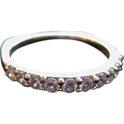 Jaffe Diamond Ring with 11 Diamonds 18K Gold