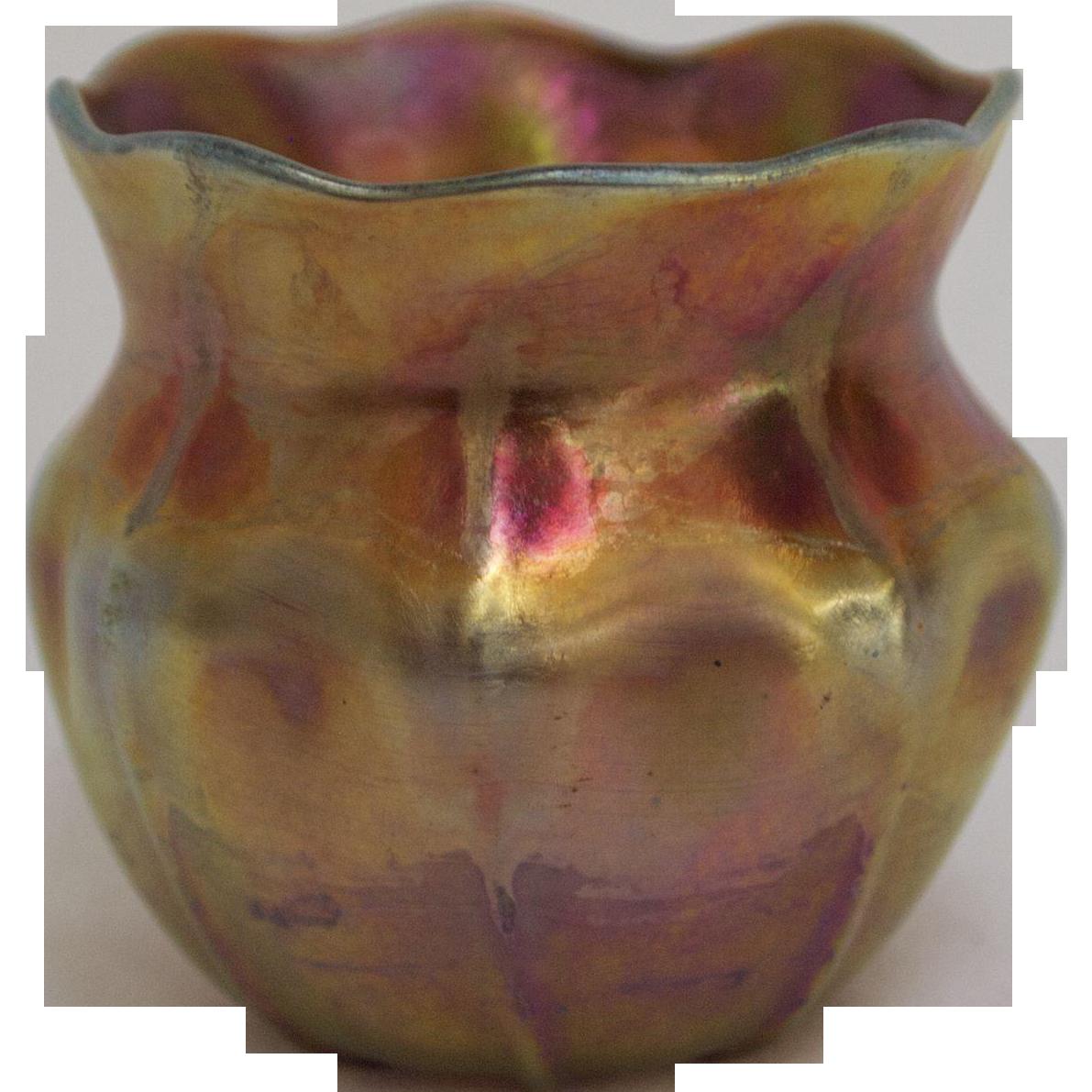 Bold Iridescent Tiffany Favrile Ruffled and Ribbed Vase ... Irridescent Ruffled Art Glass Vase