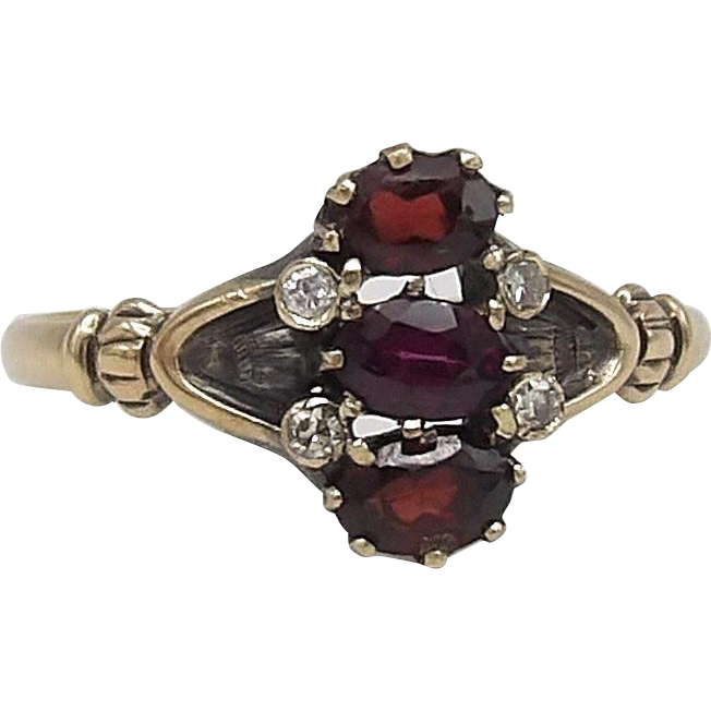 Victorian 14KT Gold Garnet & Diamond Ring
