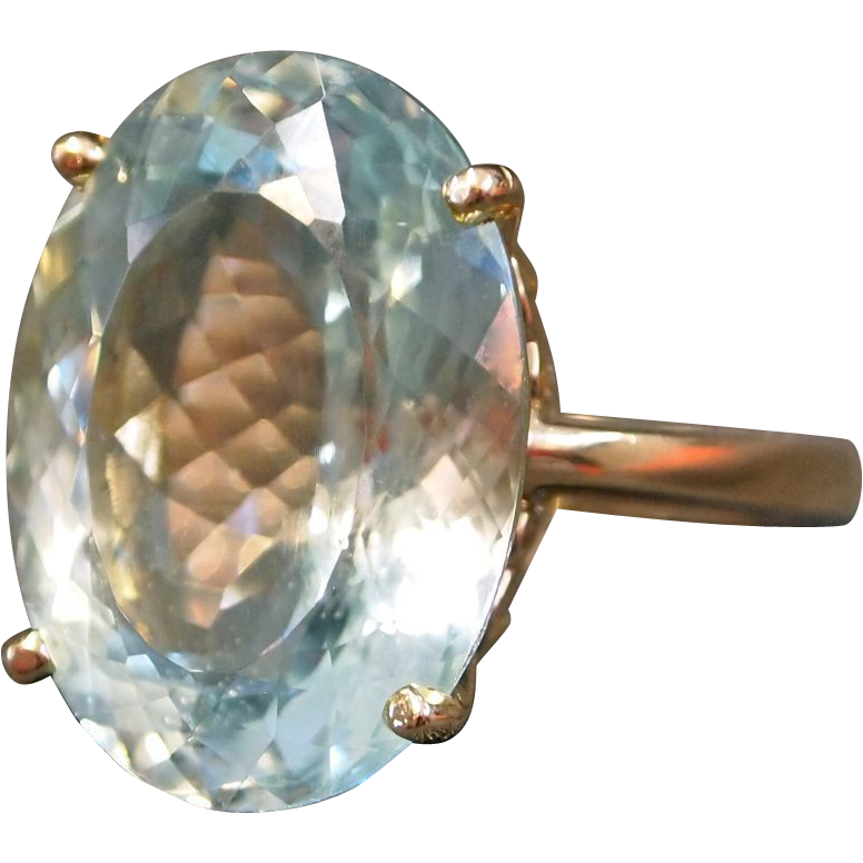 15 Carat Oval Fancy Cut Aquamarine in 14K Yellow Gold Ring from