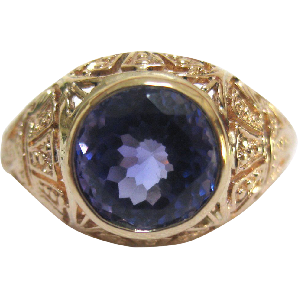 spectacular tanzanite 14k yellow gold ring from