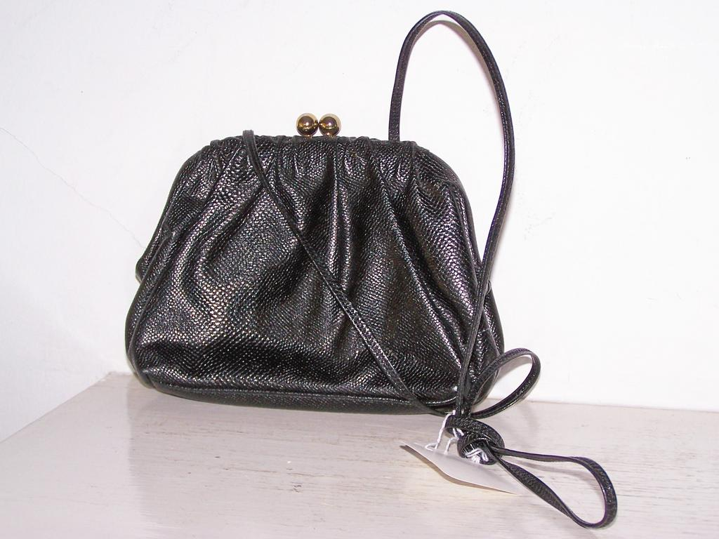 Vintage Etra Black Leather Shoulder Bag Purse~Mint