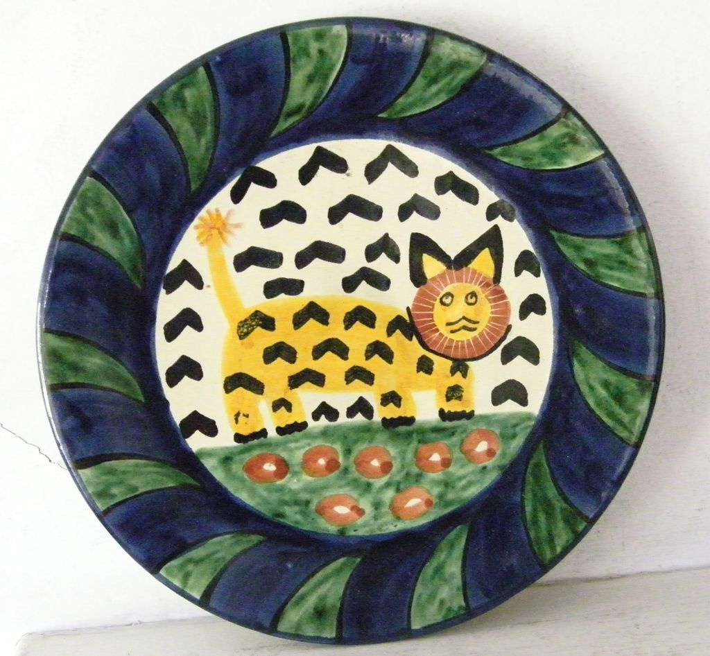 Large Talavera ceramic Plate signed Amora lion and flowers