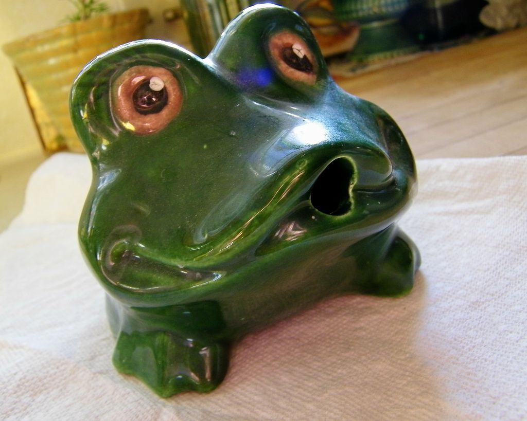 Frog Fountain Pond Pool Spitter Mint Vintage California Pottery