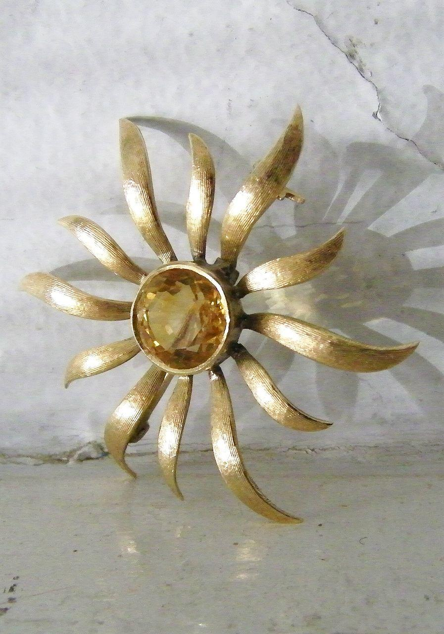 14K Gold Citrine Sunflower or Star Burst Brooch 6 carat round gemstone