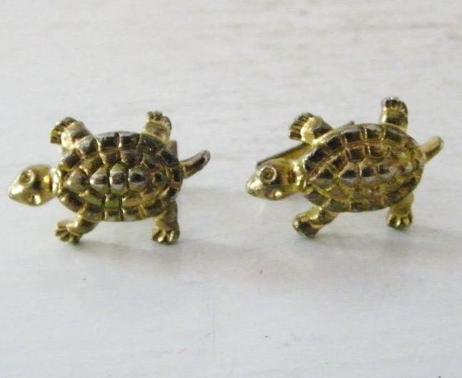 Vintae Goldtone Textured Turtle Cufflinks