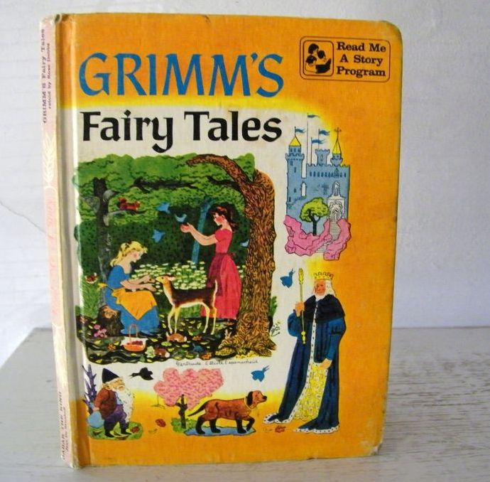 2 books in 1 Babar The King & Grimm's Fairy Tales